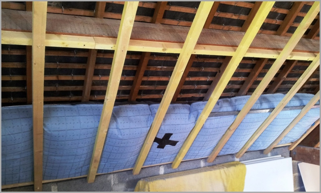 paille sous toiture interieure Isoler10
