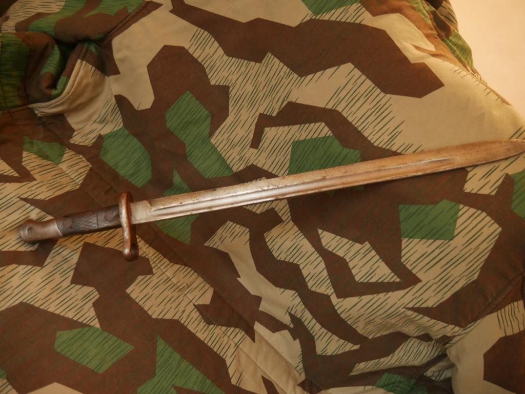 Baïonnette inconnue au bataillon !  P1060618
