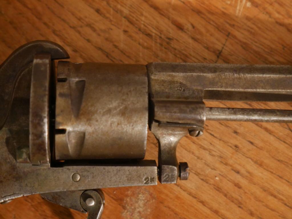Pistolet à identifier P1060624