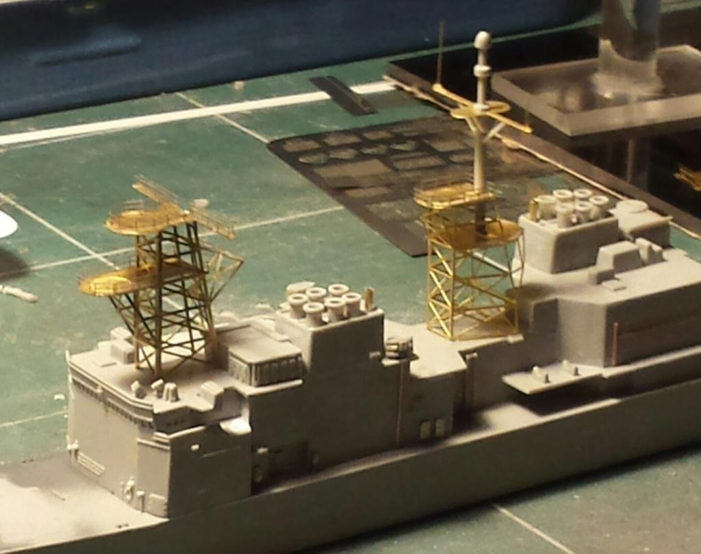 USS SPRUANCE Echelle 1/700 Uss_sp18
