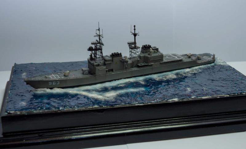 USS SPRUANCE Echelle 1/700 Uss_sp24