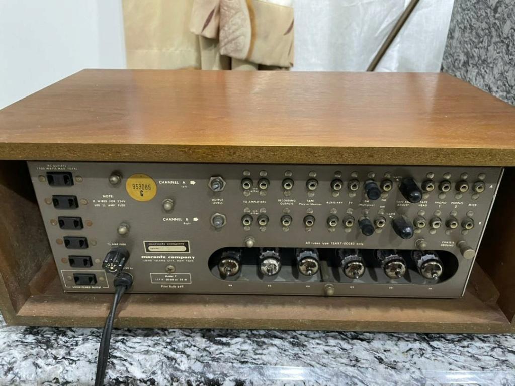 Marantz 7 Pre Amp Img-2065