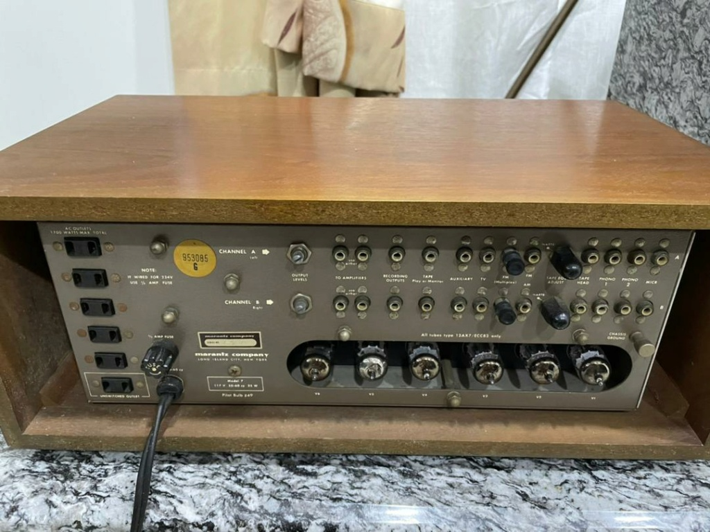 Marantz 7 Pre Amp Img-2079