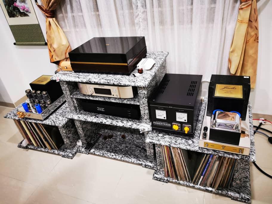 Granite High-Fi Table Img-2081