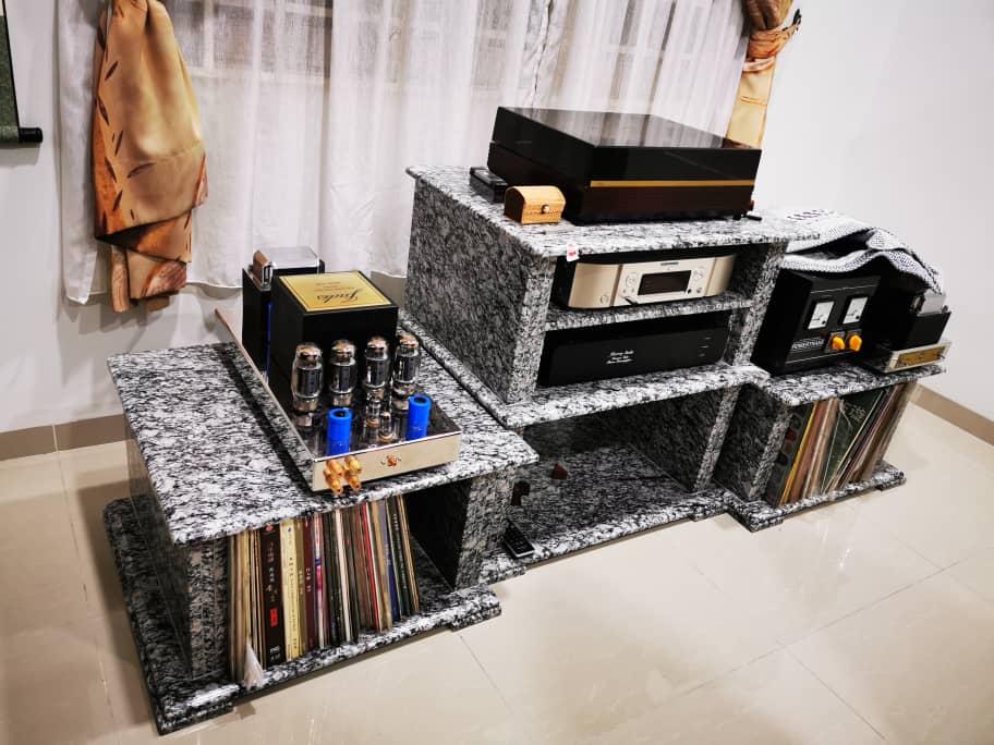 Granite High-Fi Table Img-2082