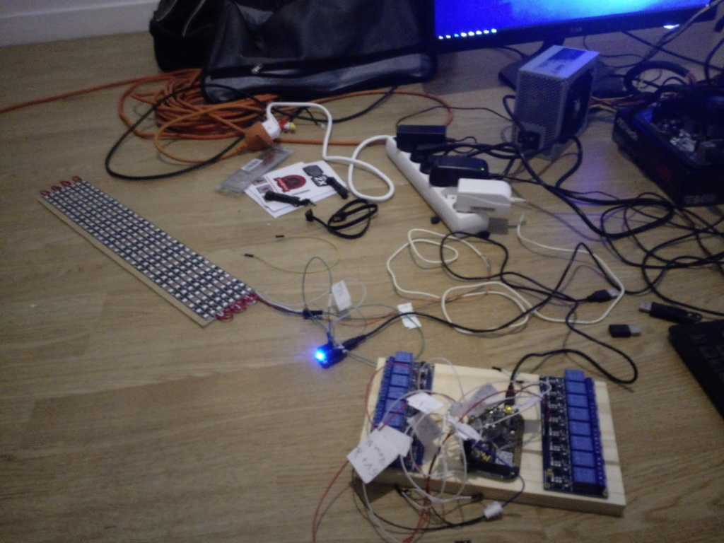 [TERMINÉ] Astro PinBot Img_2044