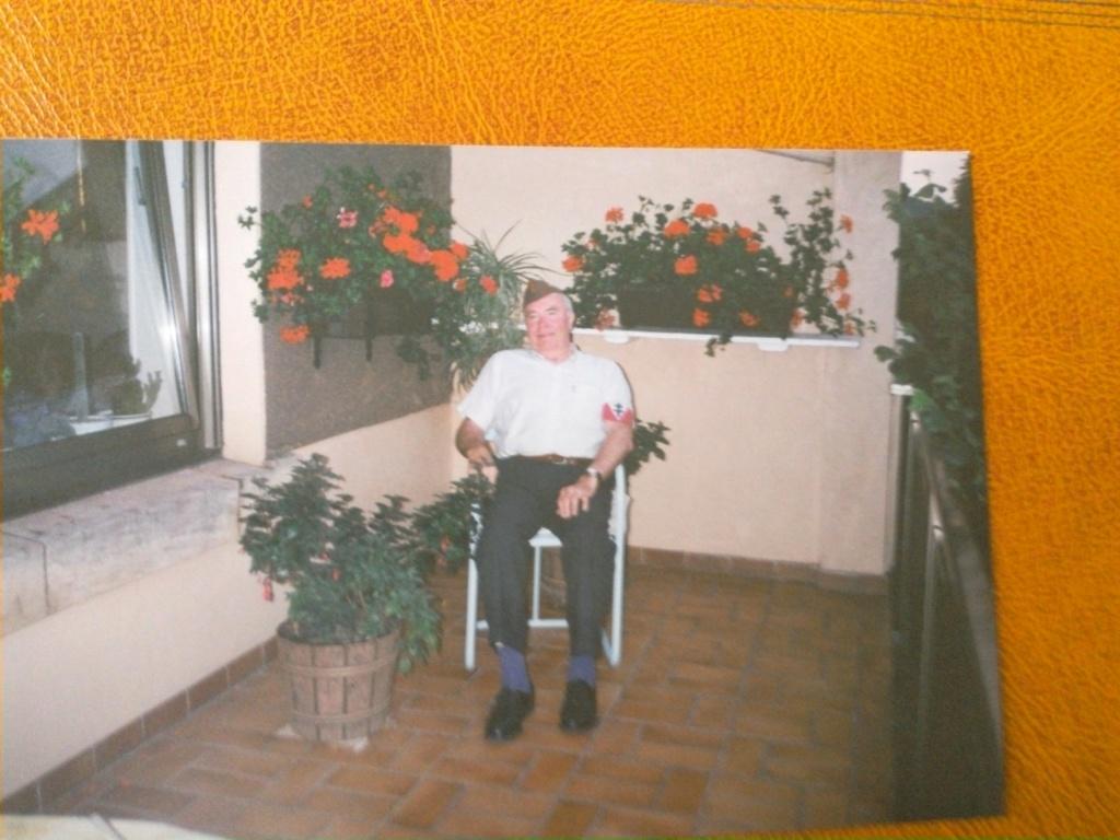 Jean BARTZ nous a quitté ce 15 décembre 2011 Img_2050
