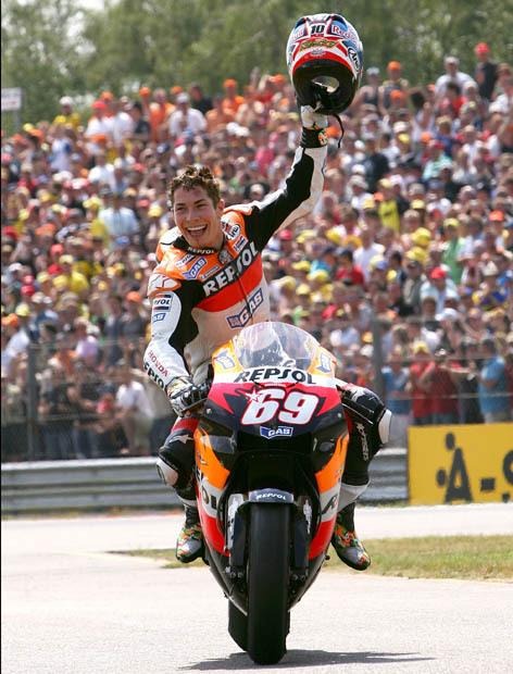 Accident de Nicky Hayden  Nicky-10