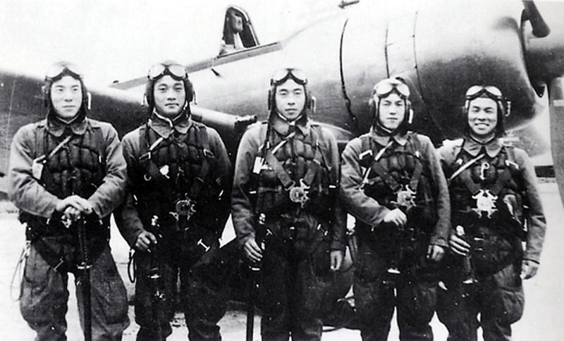 Rareté :Le Chronographe suisse d'un pilote japonais de la 2ème guerre mondiale.  Kamika11