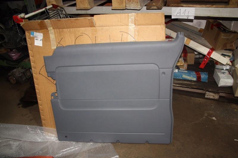 Rangement table dans porte latérale - Page 2 5710