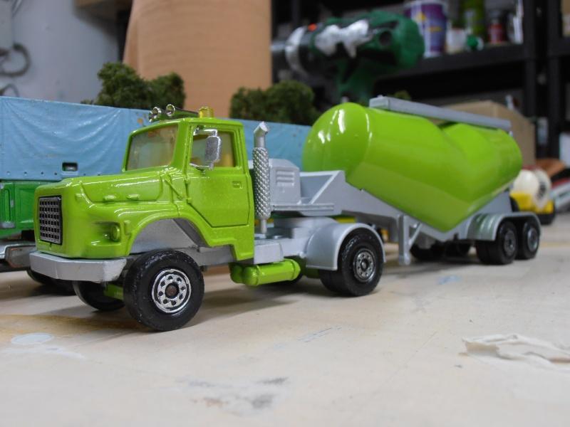 custom Ford Louisville, quand Solido épouse Majorette! P1290010