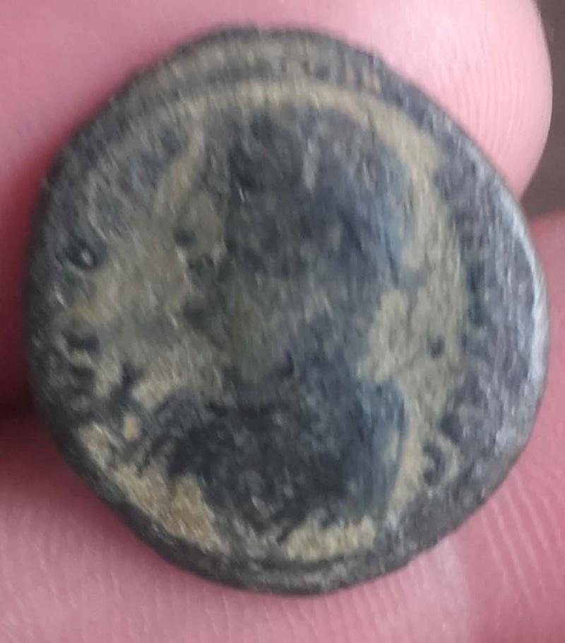 AE3 de Constantino I.  IOVI CONSERVATORI AVGG.  Cycico Romana10