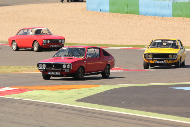 classic days Magny-cours - Page 2 Img_4410