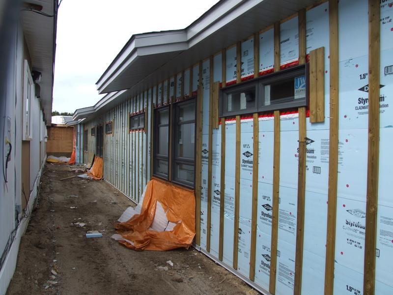 La construction de la nouvelle école progresse bien!  Dscf3129