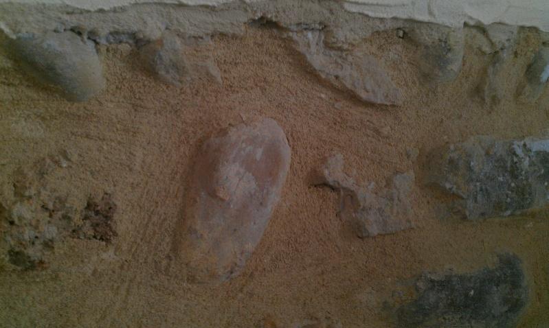 Mur enduit avec traces d'humidité + pierres apparentes sur mur brut à relooker Imag0517