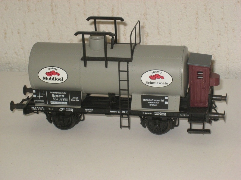 Redécoraton époque IIIa de wagons allemand en 0 _5711211