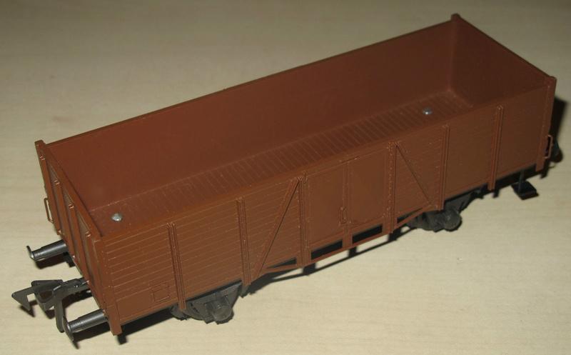 Redécoraton époque IIIa de wagons allemand en 0 _57_2710