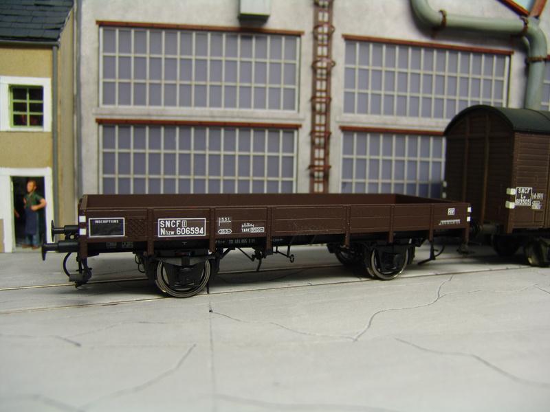 Redécoraton époque IIIa de wagons allemand en 0 Dsc00316