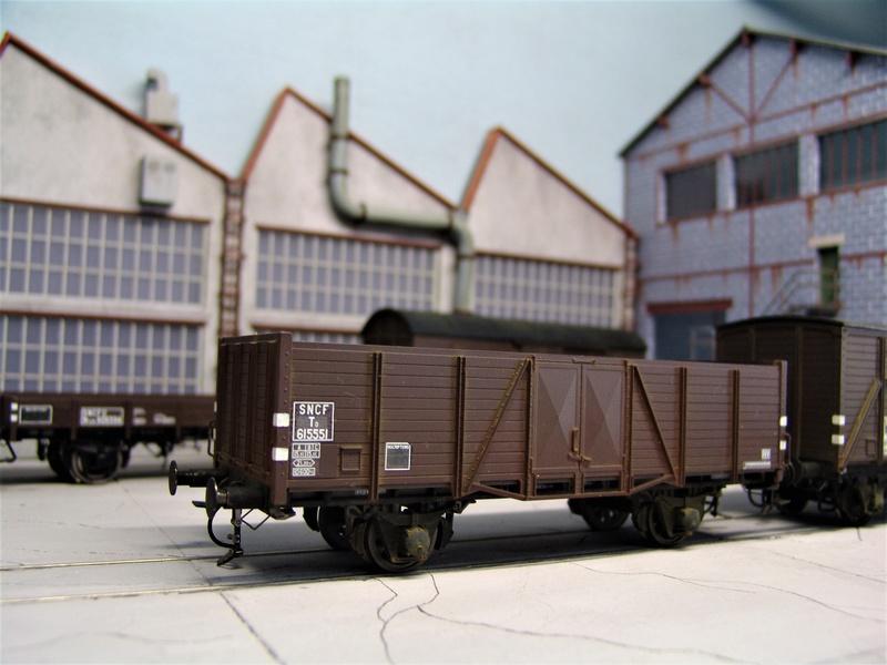 Redécoraton époque IIIa de wagons allemand en 0 Dsc00318