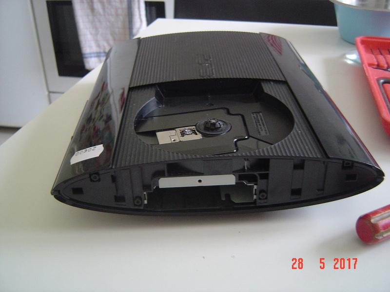 Nettoyage  de la PS3 ultra slim. Dsc05126