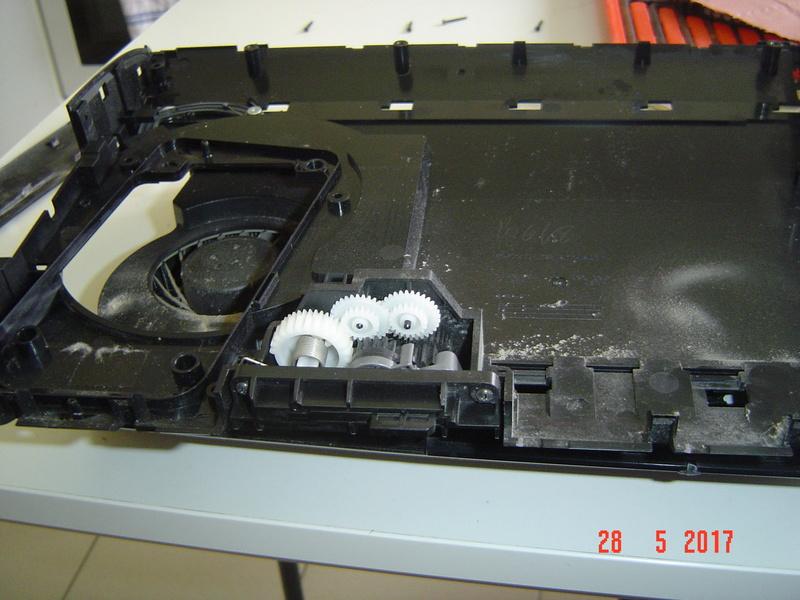 Nettoyage  de la PS3 ultra slim. Dsc05130