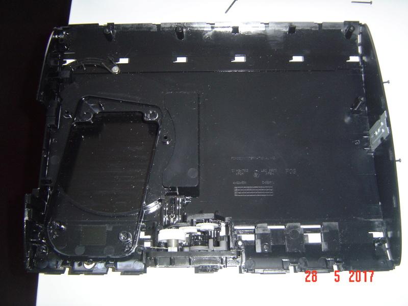 Nettoyage  de la PS3 ultra slim. Dsc05131