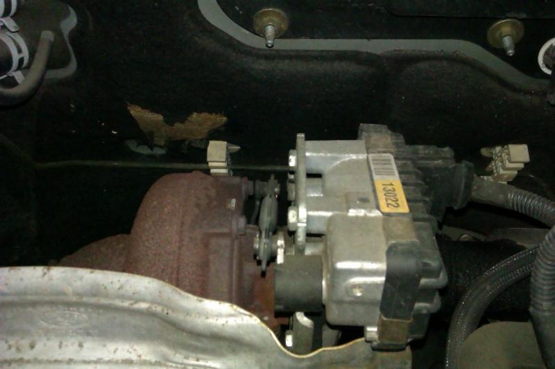 [ FORD Transit 2,2L TDC1 130 ] Voyant EOBD et code P0234 : Turbocharger overboost condition (résolu) Imag0311
