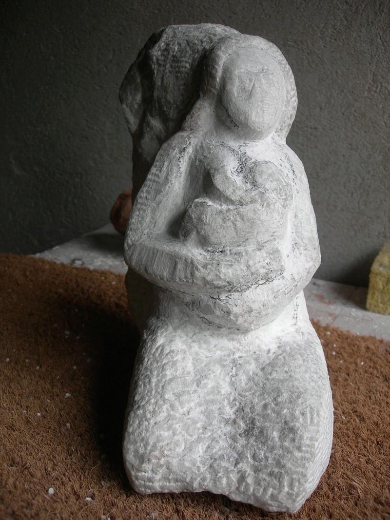 Femme allaitant en cours Dscn6415
