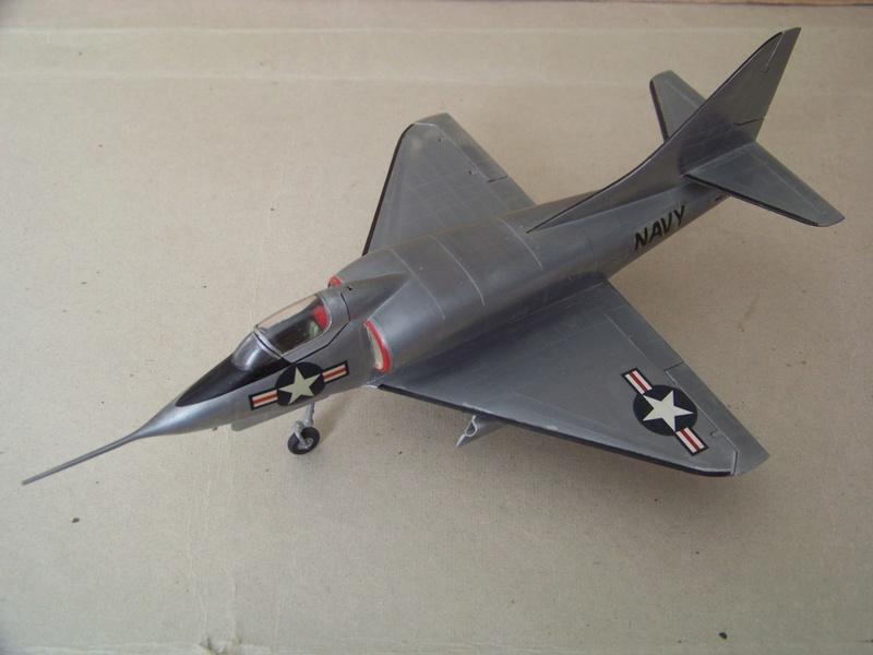 [Lindberg] - Douglas XA4D-1 Skyhawk, 1/48 100_9511