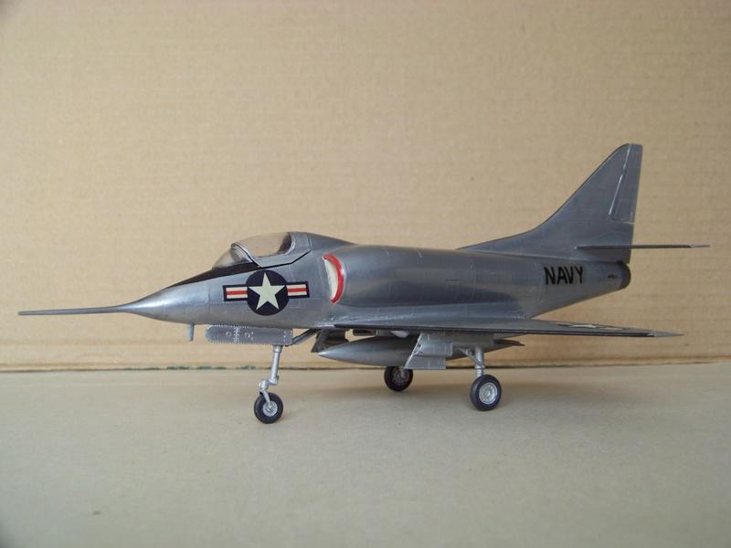 [Lindberg] - Douglas XA4D-1 Skyhawk, 1/48 100_9512