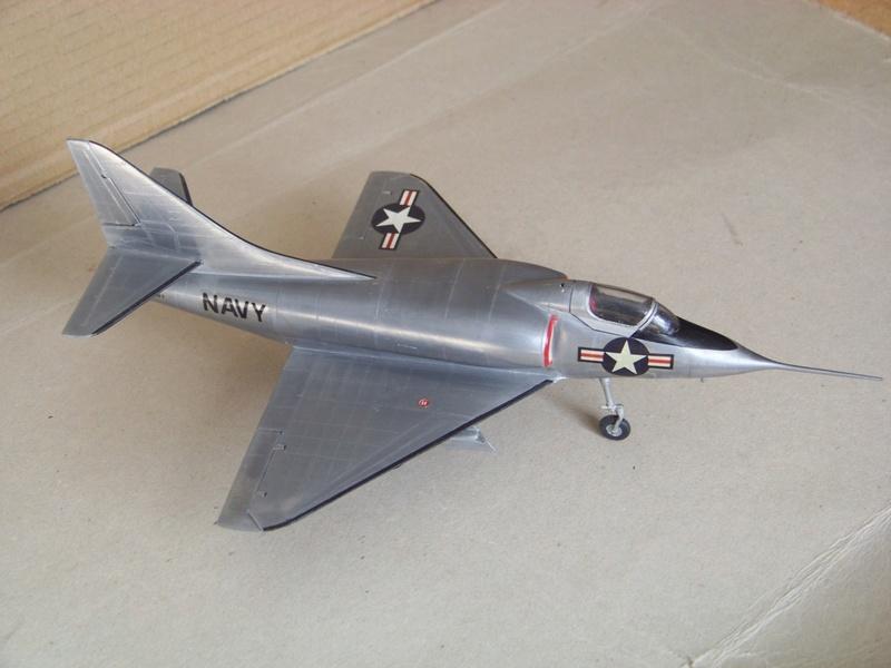 [Lindberg] - Douglas XA4D-1 Skyhawk, 1/48 100_9514