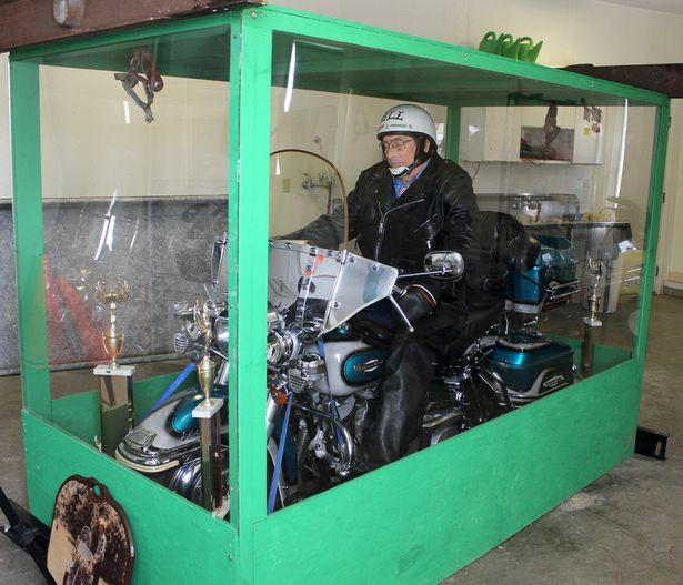 un KAWA en TERRASSE - je le veux aussi  Harley10