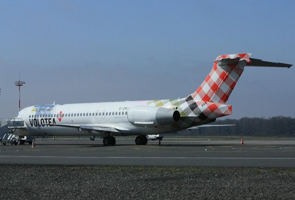 "[18/03/2014] Boeing 717 (EI-EWJ) Volotea Airlines: ""ALLEZ LES CANARIS"" Stickers Ei_ewj11"