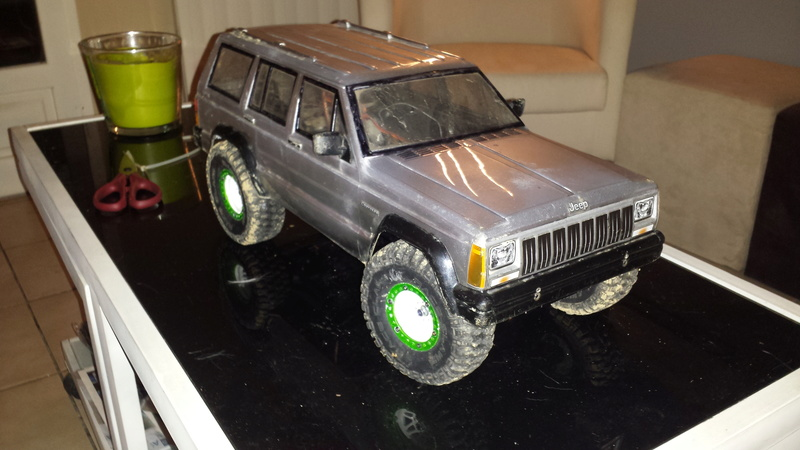 Antonin et son premier scale : Tamiya cc01  au 1/9 jeep cherokee - Page 6 20170248