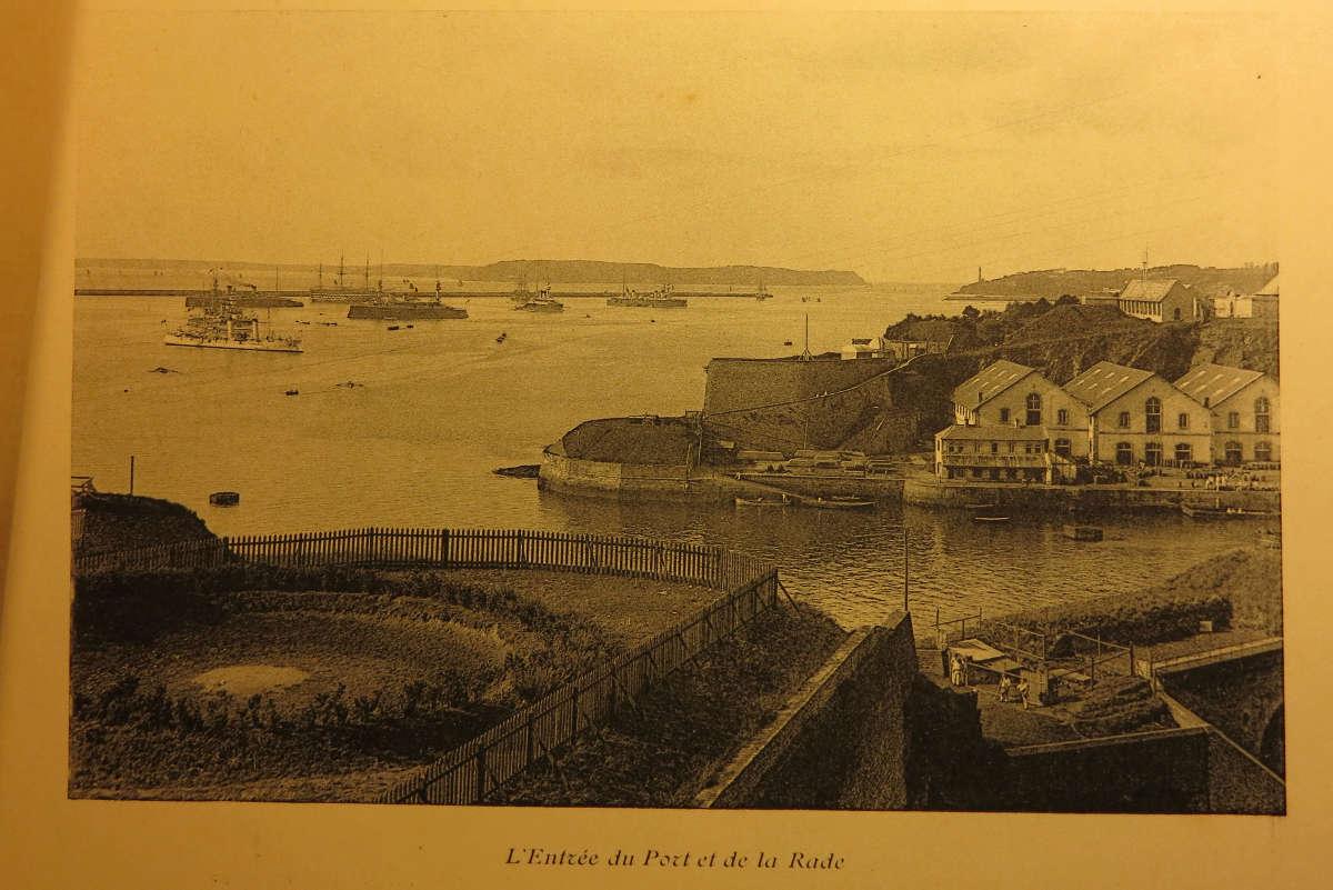 [Les ports militaires de métropole] Port de BREST - TOME 2 - Page 21 Brest_10