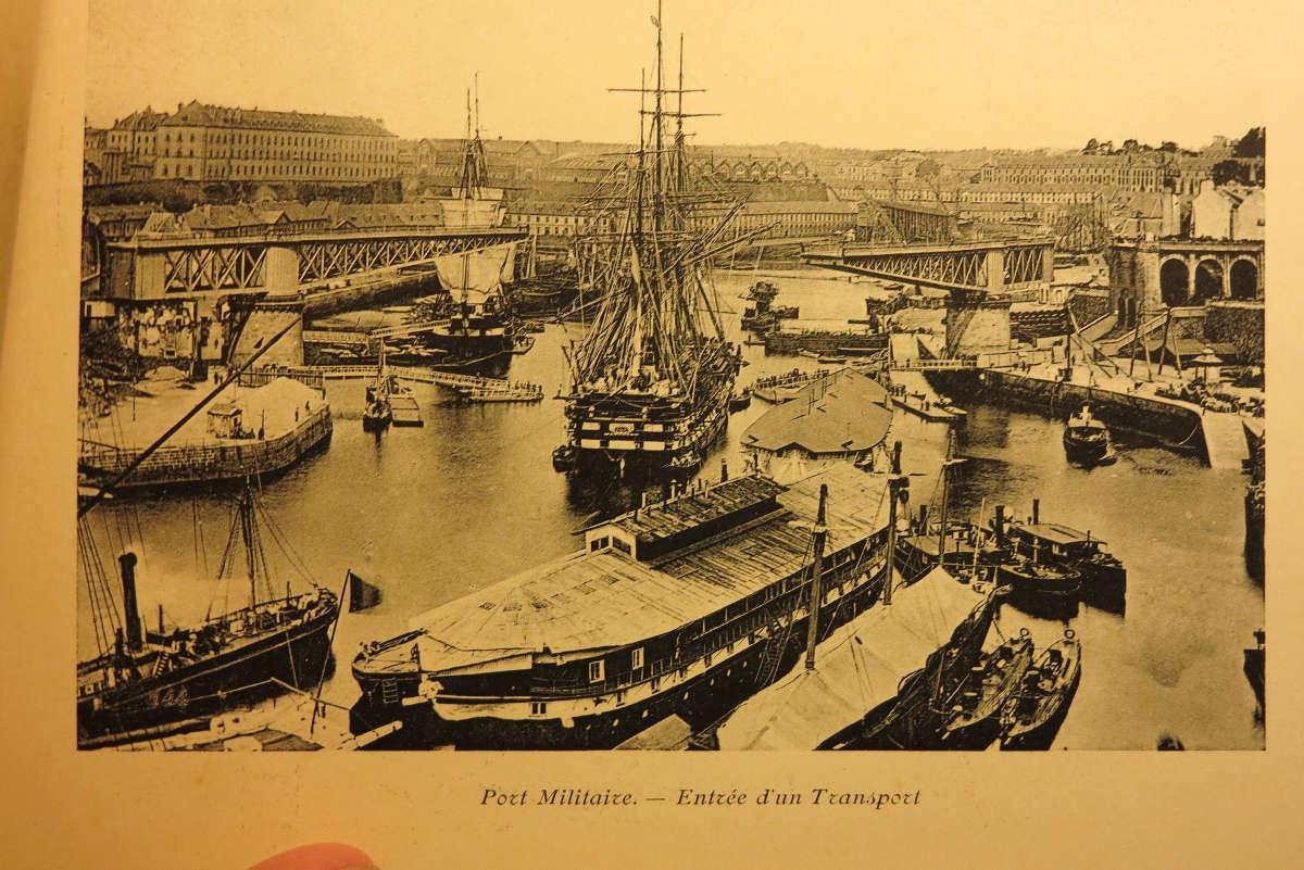[Les ports militaires de métropole] Port de BREST - TOME 2 - Page 21 Brest_14