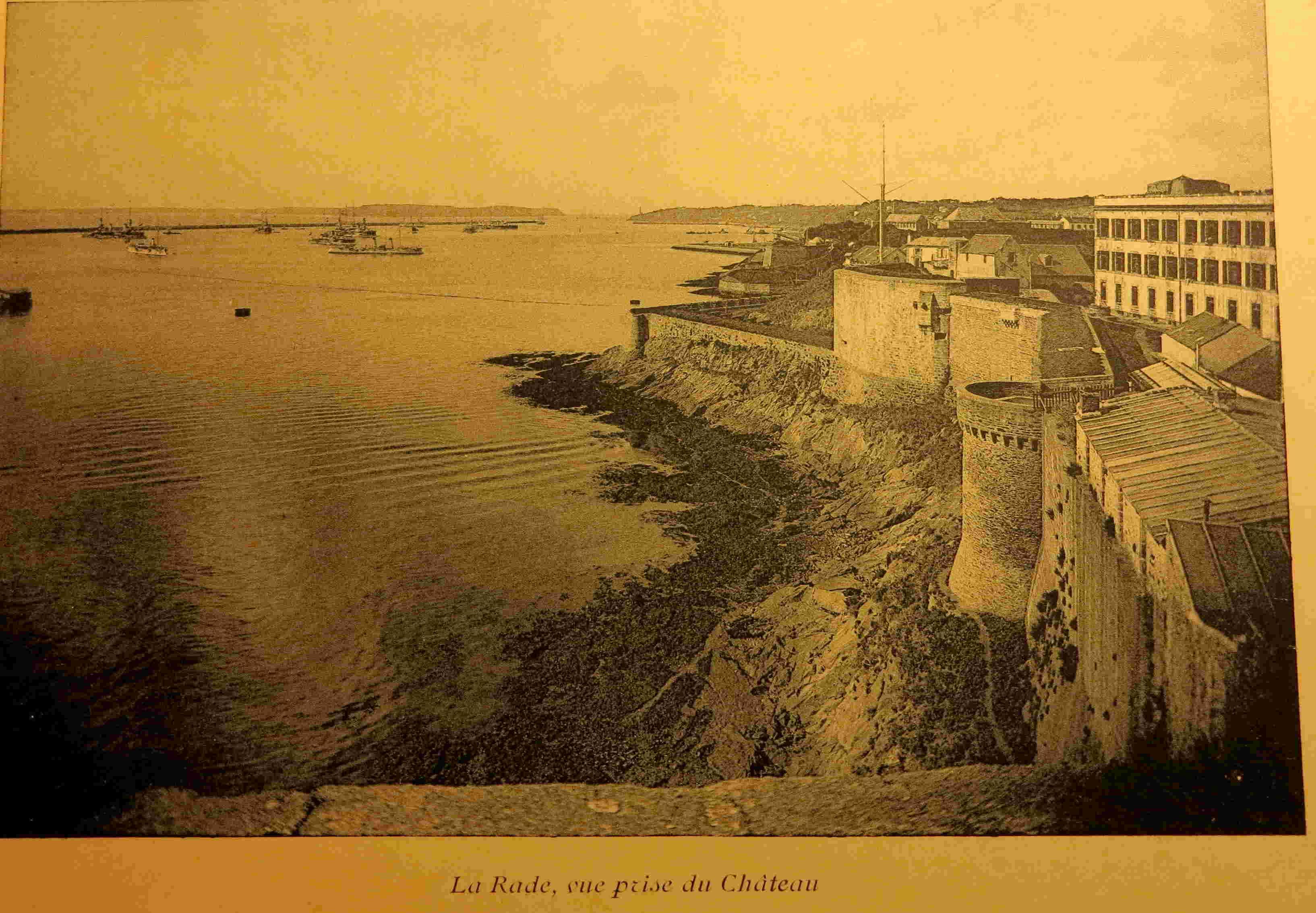 [Les ports militaires de métropole] Port de BREST - TOME 2 - Page 21 Brest_16