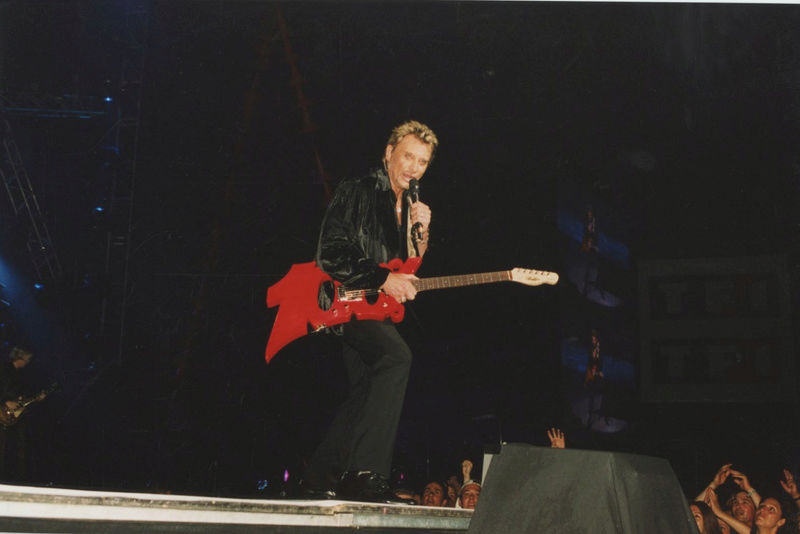 JOHNNY A TOULOUSE LE 2 JUIN 2000 Gtr_be10