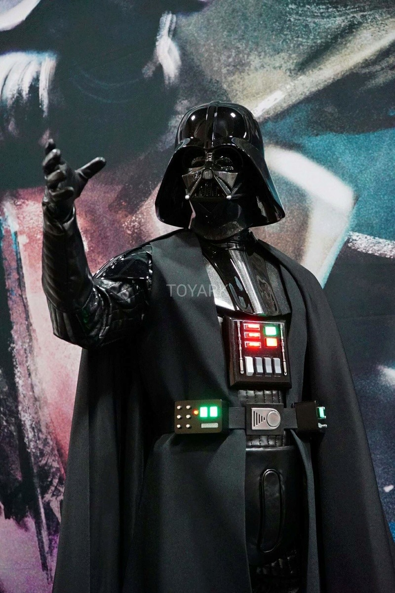 Sideshow - Darth Vader  Legendary Scale Figure Sdcc-214