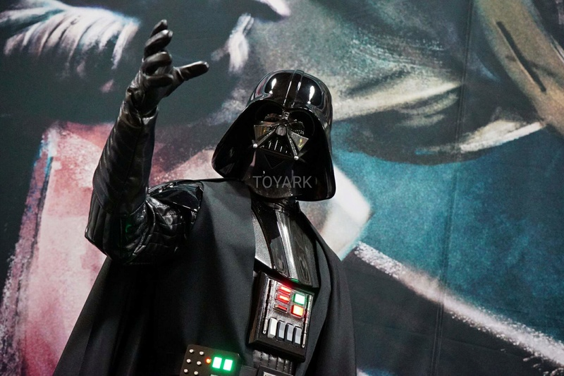 Sideshow - Darth Vader  Legendary Scale Figure Sdcc-216