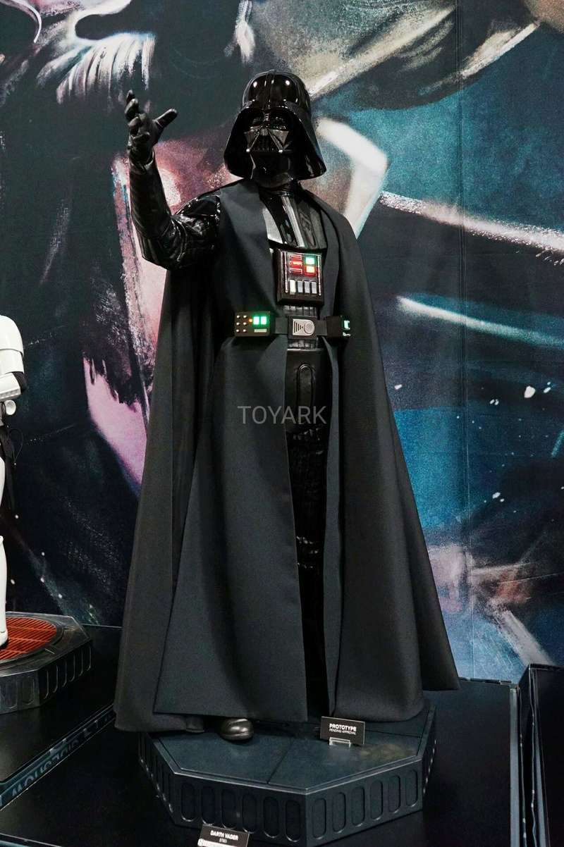 Sideshow - Darth Vader  Legendary Scale Figure Sdcc-217