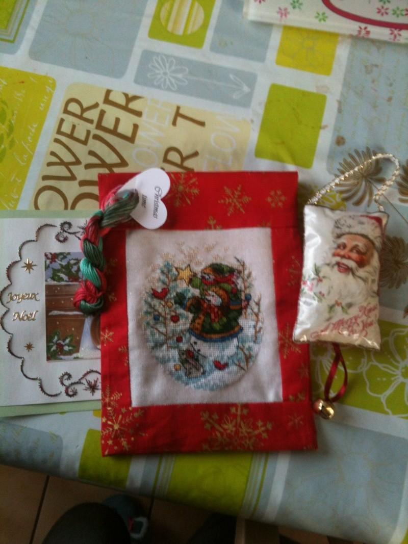 Ech. de pochettes de Noël - *%*  PHOTOS  *%* - Page 2 Img_0611