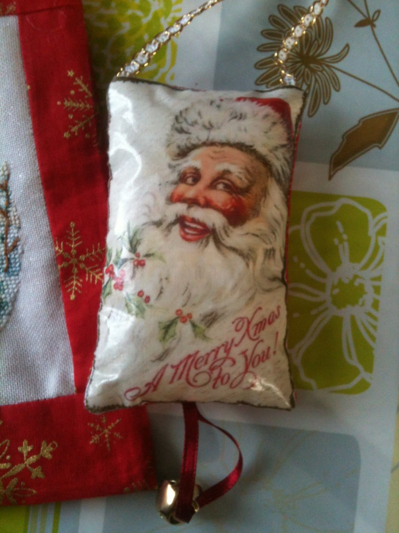 Ech. de pochettes de Noël - *%*  PHOTOS  *%* - Page 2 Img_0612
