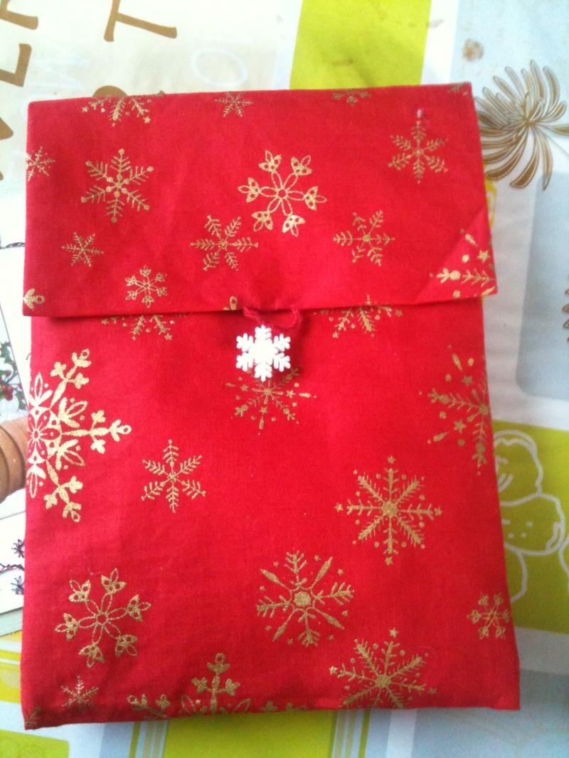 Ech. de pochettes de Noël - *%*  PHOTOS  *%* - Page 2 Img_0613