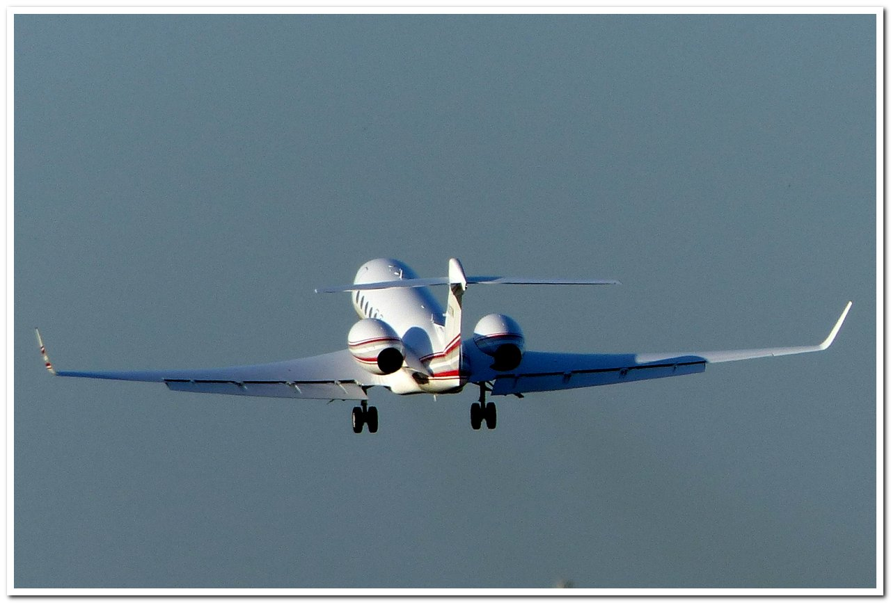 [BIZ JETS] L'Aviation d'Affaires de 2017...   - Page 2 Gulfst13