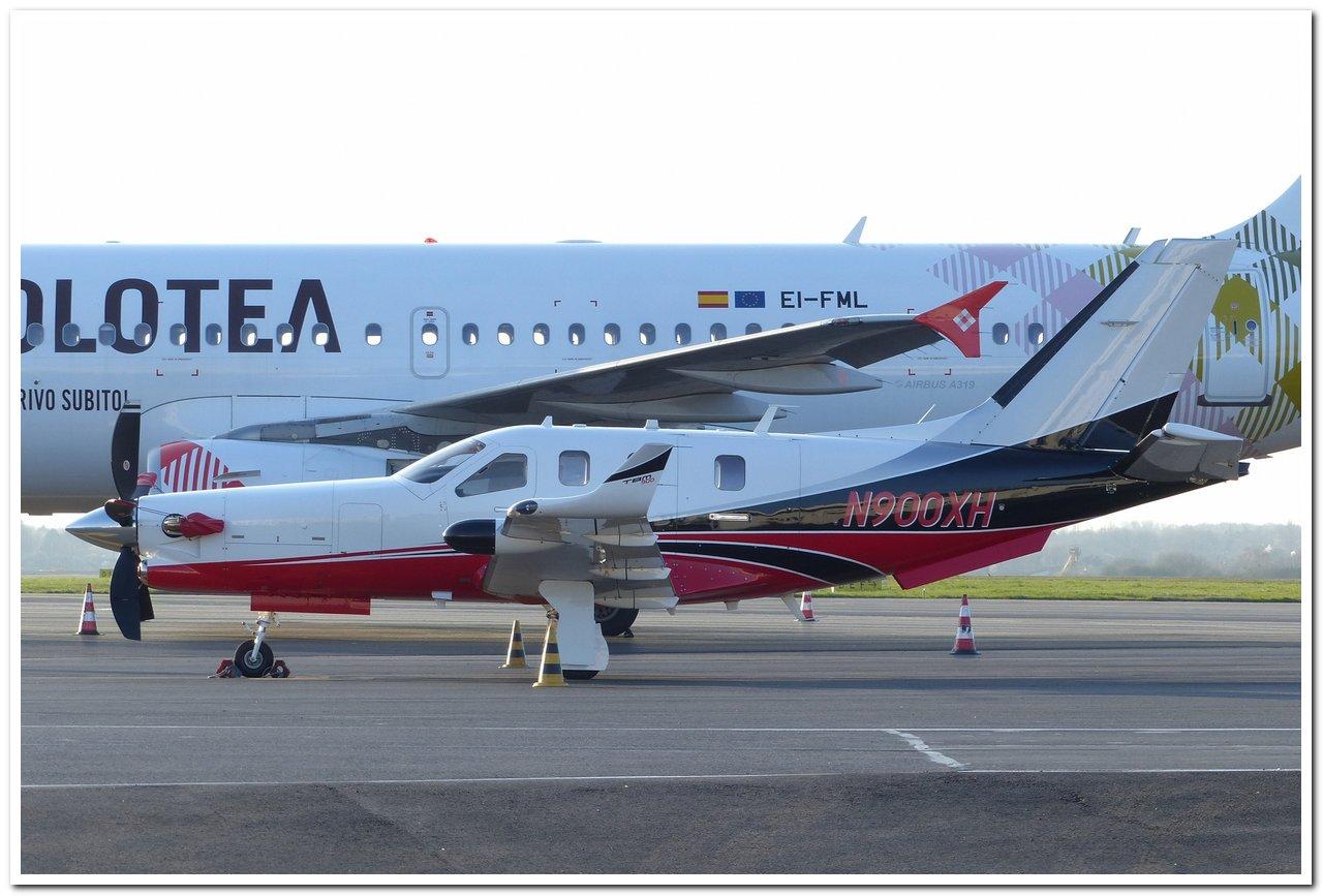 [BIZ JETS] L'Aviation d'Affaires de 2017...   Tbm90010