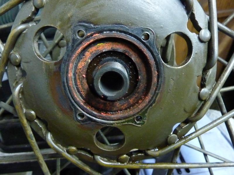 demontage roulements roue arriere bsa m20 P1140014