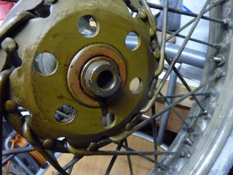 demontage roulements roue arriere bsa m20 P1140015