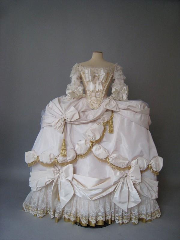 Robes du XVIIIe siècle Im2-110