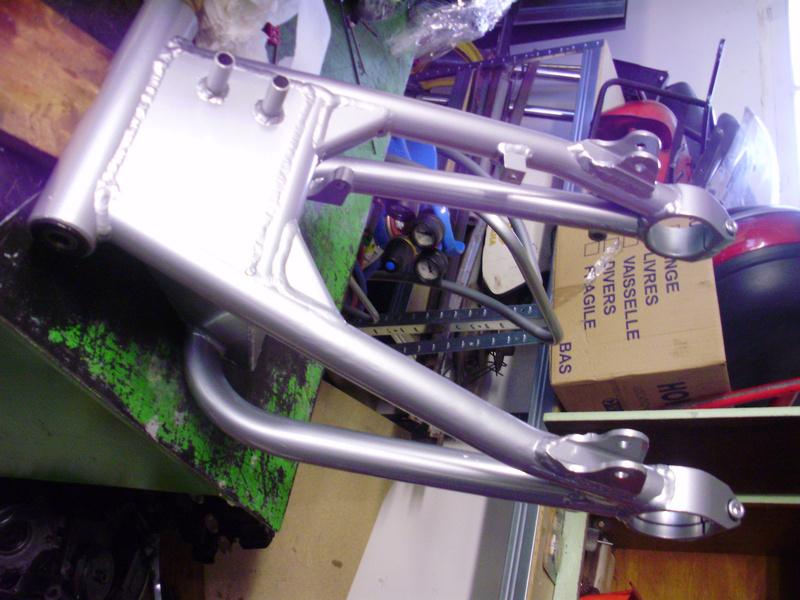 adaptation bras oscillant GSX R 1989 sur GSX - Page 2 P5200010